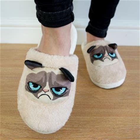 grumpy cat slippers novelty slippers find me a gift
