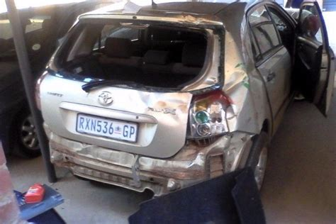 cash  cars bakkies  runners  accident damaged unlicensed