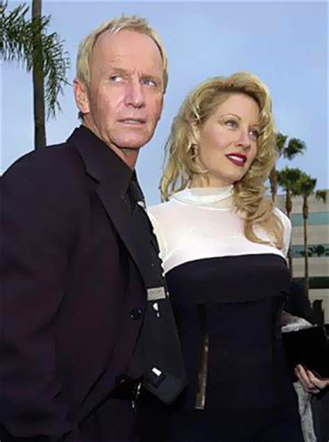 linda kozlowski paul hogan wife paul hogan s co star wife linda hogan files for divorce
