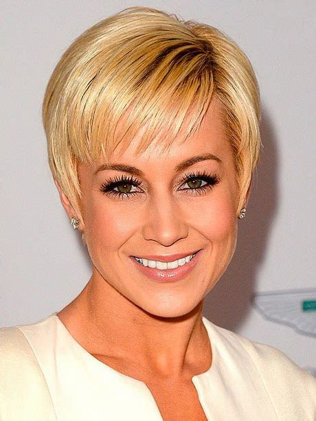 attractive hair cuts for mid 20 women chic short haircuts for women