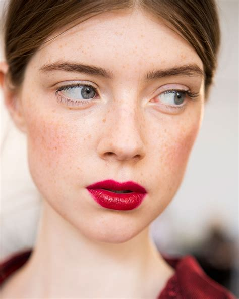 17 pretty makeup looks to try in 2016 allure nyfw ss17 coolest beauty looks buro 24 7