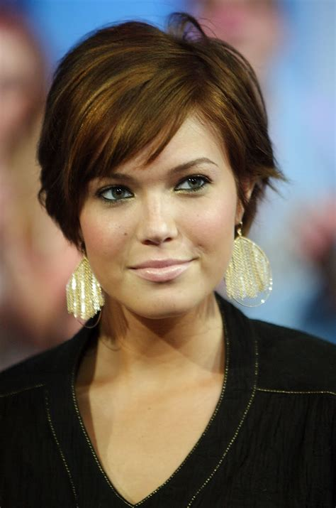 pictures of hairstyles for square face shapes short haircuts for square face