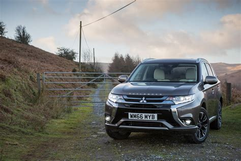 mitsubishi outlander phev price 2017 mitsubishi outlander phev gets performance upgrade