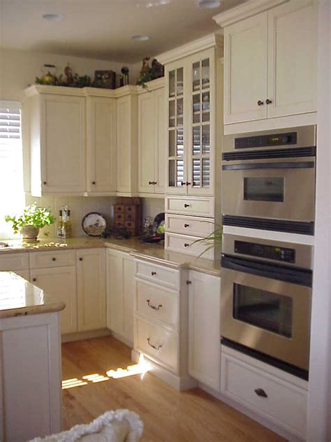 Selecting Kitchen Cabinets Choosing Kitchen Cabinets Kreative Kitchens Baths