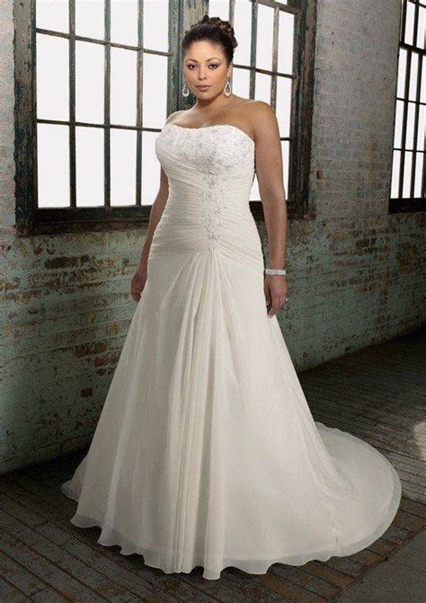 Cheap Plus Size Wedding Dresses by Plus Size Clothes Shopping For A Wedding Is The