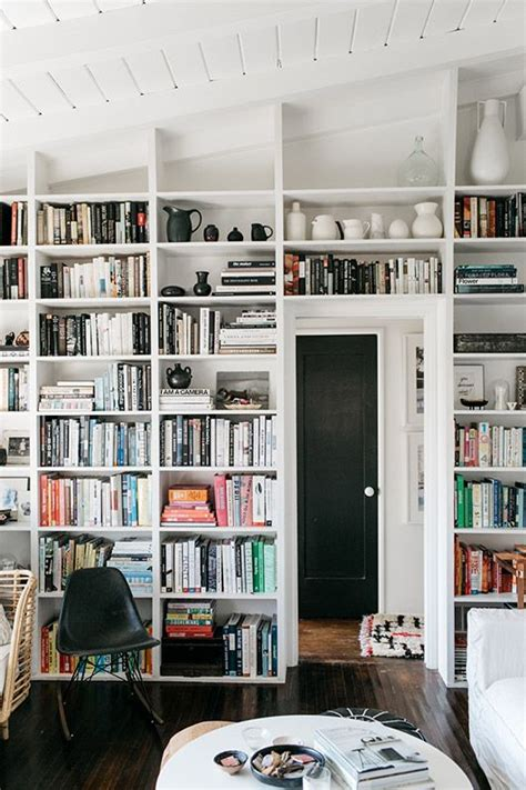 built in wall bookshelves 25 best ideas about built in shelves on
