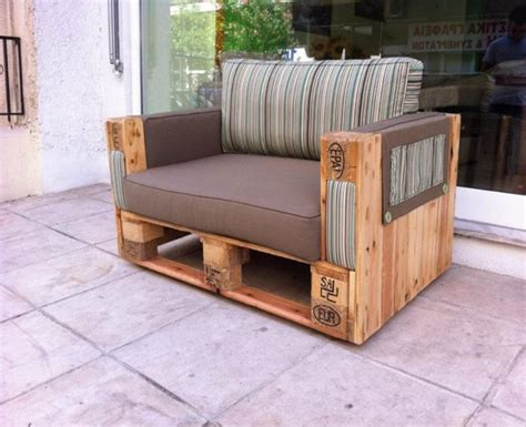 couches made with wooden pallets pallet ideas recycled
