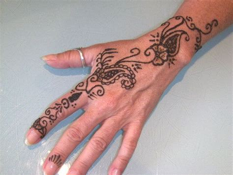 how much for a henna tattoo 84 best henna images on henna tattoos