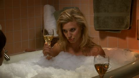 sesso nella vasca da bagno mi ero dimenticato di katee sackhoff diegozilla
