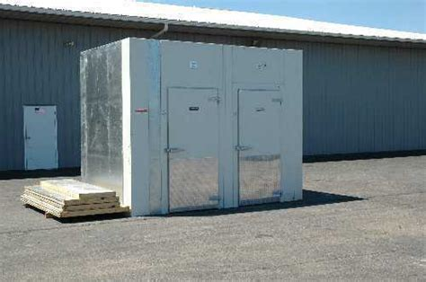 walk in cooler freezer combo canada combo units barr commercial refrigeration
