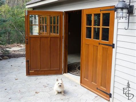 How To Build Garage Doors Swing Doors by Swinging Barn Door Plans Woodworking Projects Plans