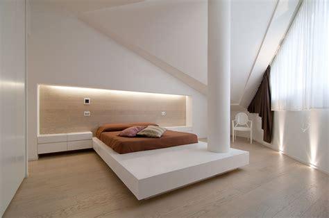 giochi sul letto un attico luminoso su due piani mansarda it