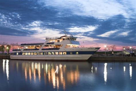 goodtime boat 22 of the best sightseeing cruises in the u s for 2016