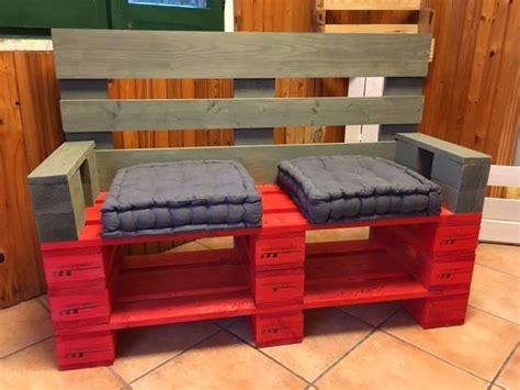 costruire divano come realizzare un divano con i pallet mobili in pallet