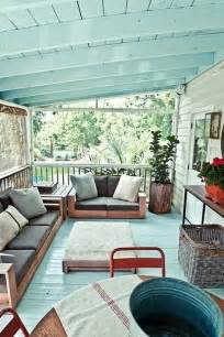 Apartment Balcony Christmas Decorations - outdoor porch and terrace decorating ideas home
