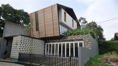 pagar rumah minimalis hybrid house karya parametr