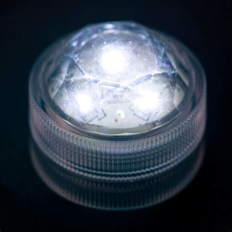 white submersible led light