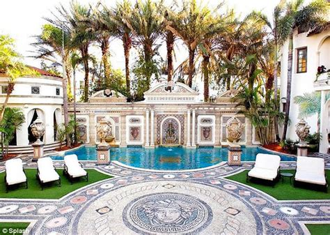 Gianni Versace House South Swim In A 24 Carat Gold Pool At The Versace Villa In Miami