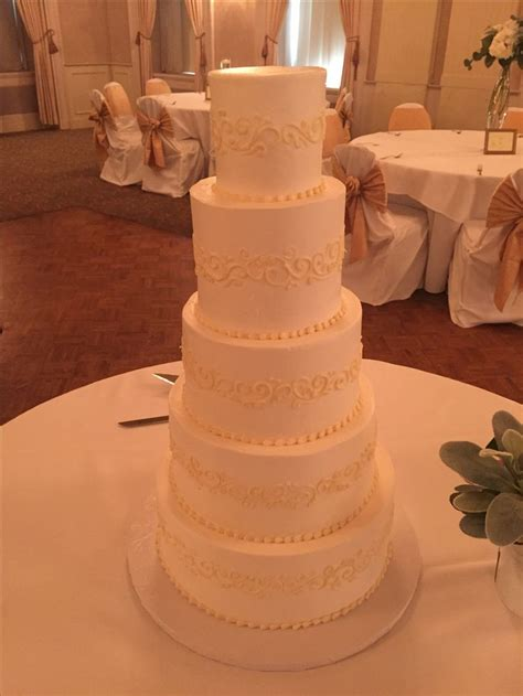 White On White Buttercream Scroll 1000 Images About Wedding Cakes On Wedding