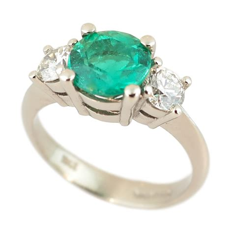 18ct white gold emerald ring cameron jewellery