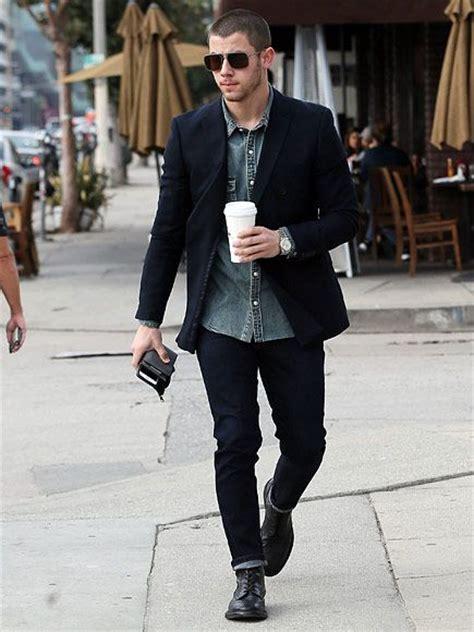 Nick Joe Jonas New York Apartment Tracks Friday January 15 2016 Denim Top Icons