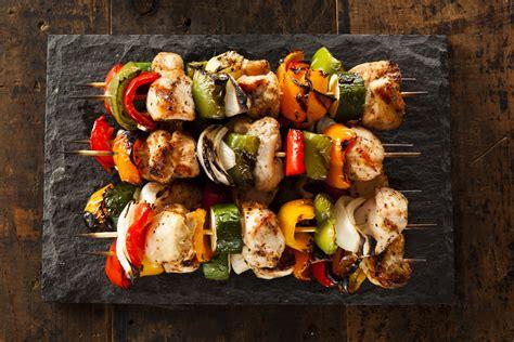 come cucinare gli spiedini di pesce spiedini di pollo ecco come cucinare gli spiedini fatti
