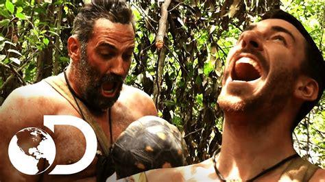 amanda de supervivencis al desnudo tortuga escapa de ser cocinada supervivencia al desnudo