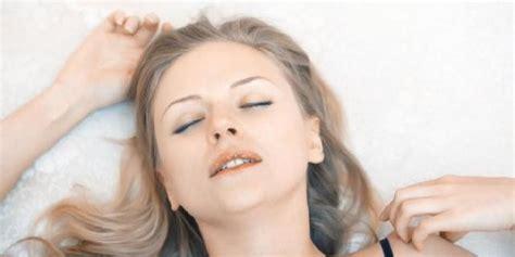 Ranjang Dewasa ciri ciri wanita yang menggairahkan di ranjang khusus dewasa