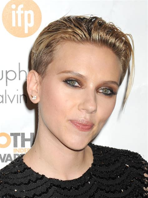 most memorable hair moments of 2014 scarlett johansson dlisted scarlett johansson arrives 24th gotham awards