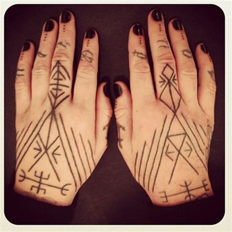 hand tattoo not sticking 72 best images about inspo on pinterest stick and poke