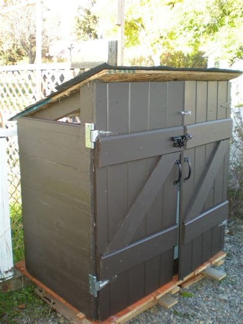 diy garbage shed for apx 30 not the most glamorous