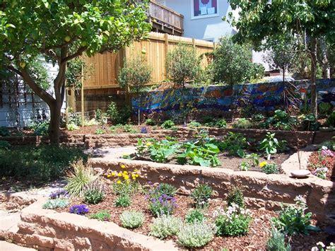 Backyard Yelp Terracing Path Plantings In A Small Backyard Yelp