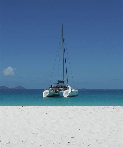 catamaran whitsundays whitsunday blue catamaran luxury motor yacht charter