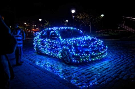 christmas decorations for your car the 5 best decorations for your car the news wheel