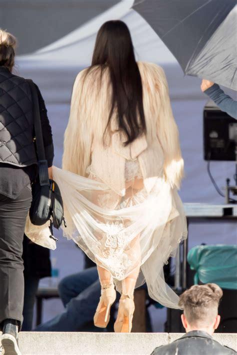 con falda y sin ropa interior fotos 161 el vestido transparente que kim kardashian uso sin