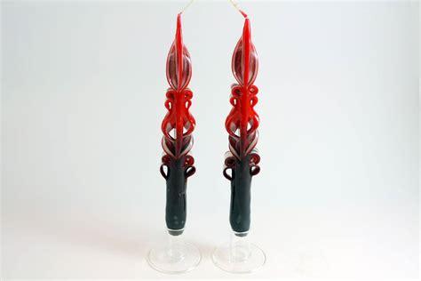 candele intagliate coppia di candele lunghe intagliate rosse e bordeaux