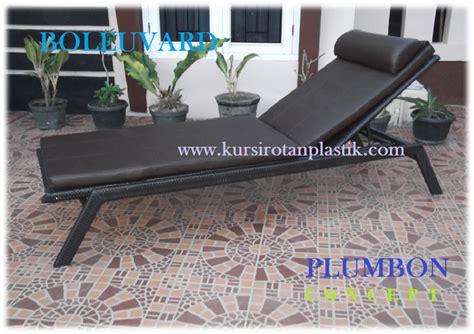 Kursi Plastik Untuk Santai kursi rotan plastik sintetis cirebon kursi santai kolam