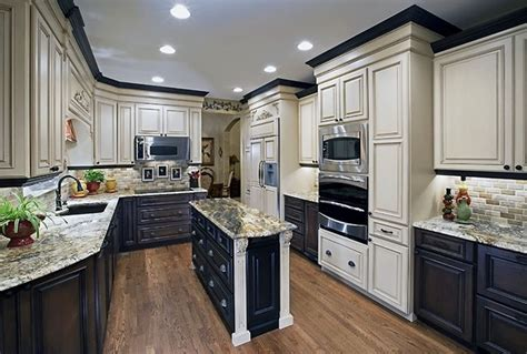 two colored kitchen cabinets repainting kitchen cabinets two tone cabinet colors great
