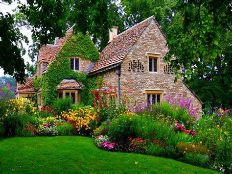 country cottage wallpaper wallpaper mansions cottage anglais wallpaper