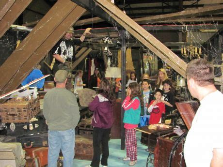 odeum haunted house girl scouts do a behind the scenes tour of asylum xperiment haunted house villa