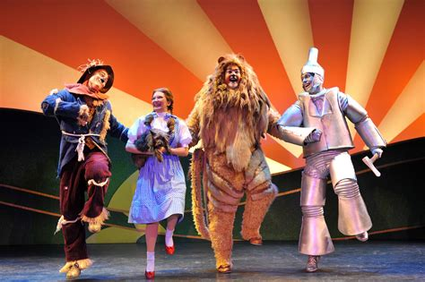 Joe Louis Box Office by Wizard Of Oz In Detroit Giveaway Stingy Thrifty