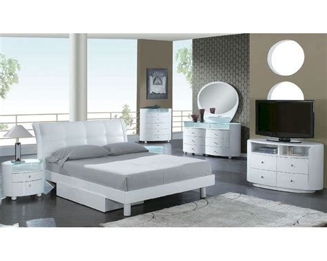 contemporary white bedroom set modern bedroom set in white 35b101