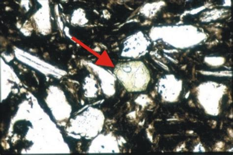 tourmaline in thin section thin section petrology databank minerals other