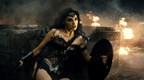 gal gadot di film batman vs superman wonder woman gal gadot on being cast in role in batman