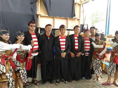 Filosofi Baju Adat Madura menengok lebih dalam kebudayaan suku madura satu jam