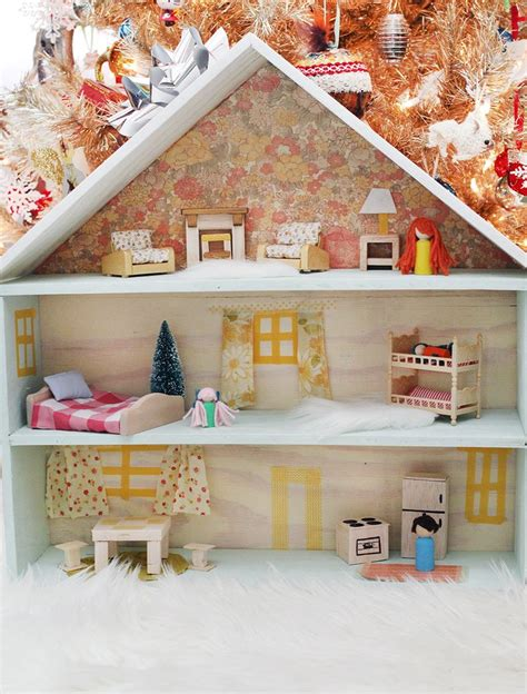 diy dollhouse sweetest diy dollhouse click through for tutorial