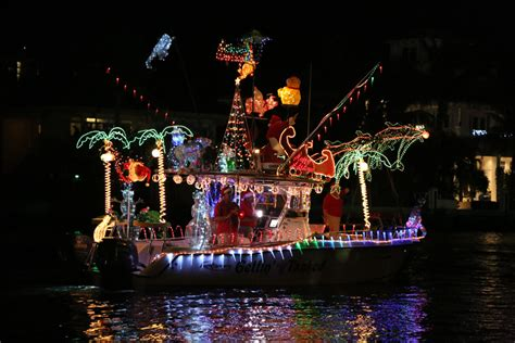 boca raton holiday boat parade christmas in the sun wander the map