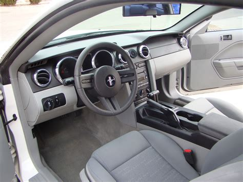 2005 Ford Mustang Gt Interior 2005 ford mustang interior pictures cargurus