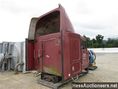kenworth cab parts used 1990 kenworth sleeper cab body for sale in pa 25386