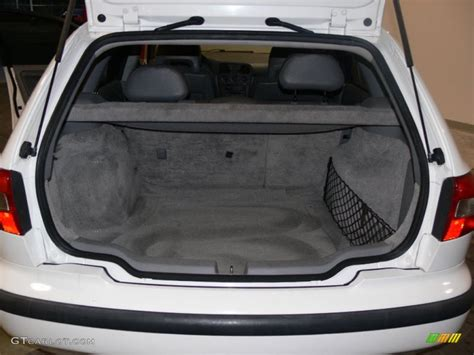 Volvo V40 Interior Dimensions by 2000 Volvo V40 1 9t Wagon Trunk Photo 61081252 Gtcarlot